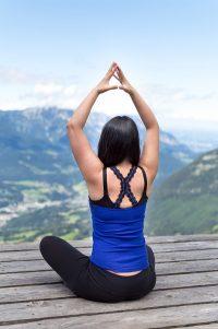 Yoga Pose auf dem Jenner in Bayern, Deutschland