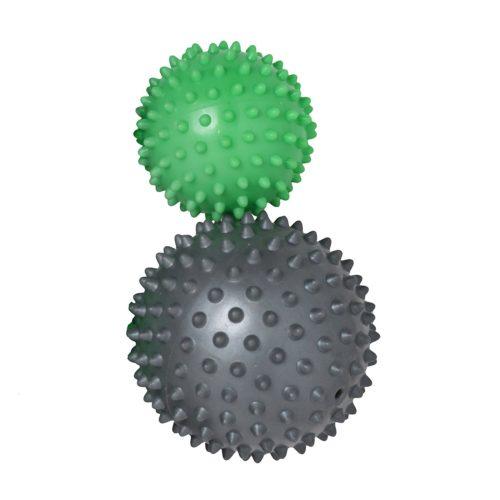 2 Massagebälle in unterschiedlichen Größen und Farben